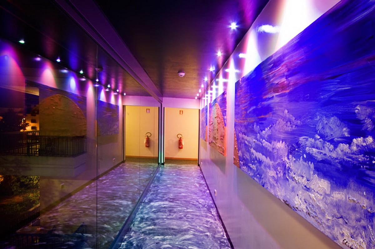 Corridor blu