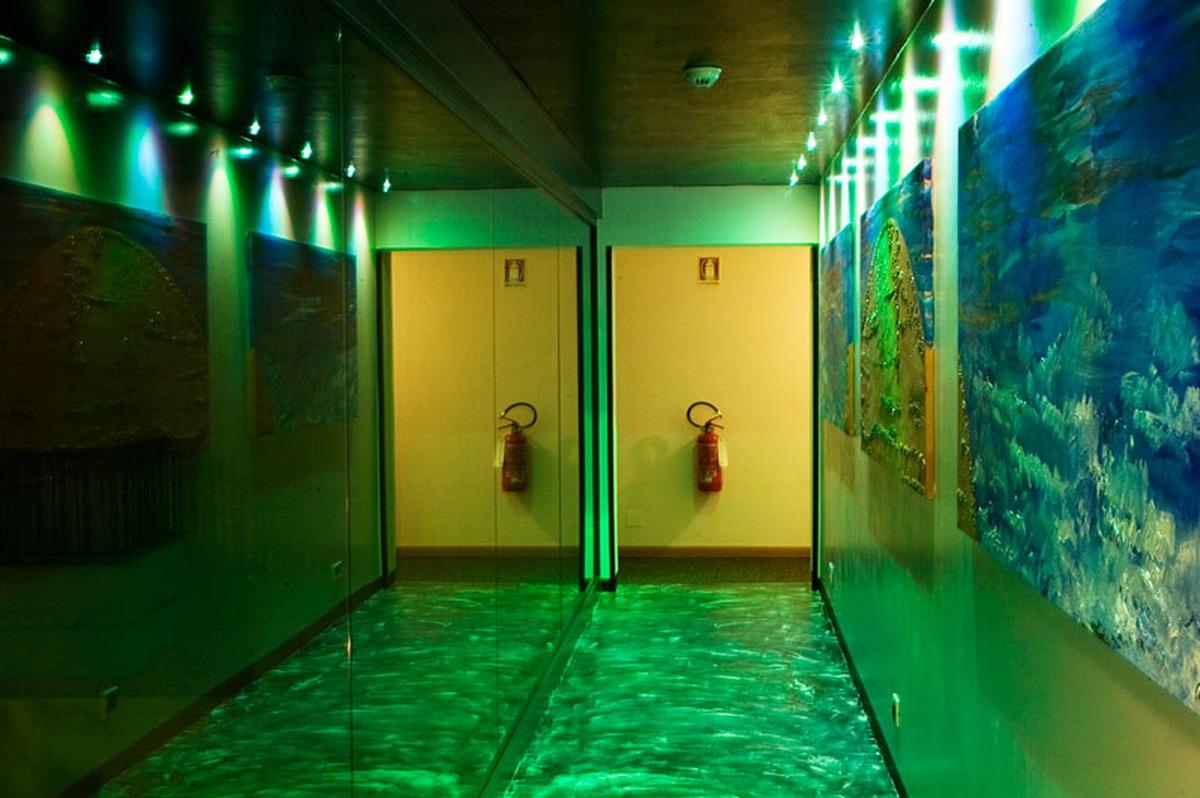 Corridor green
