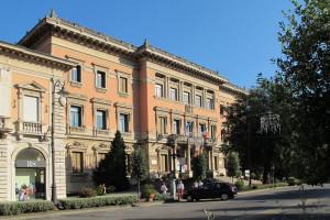 Montecatini_terme,_palazzo_del_comune_03
