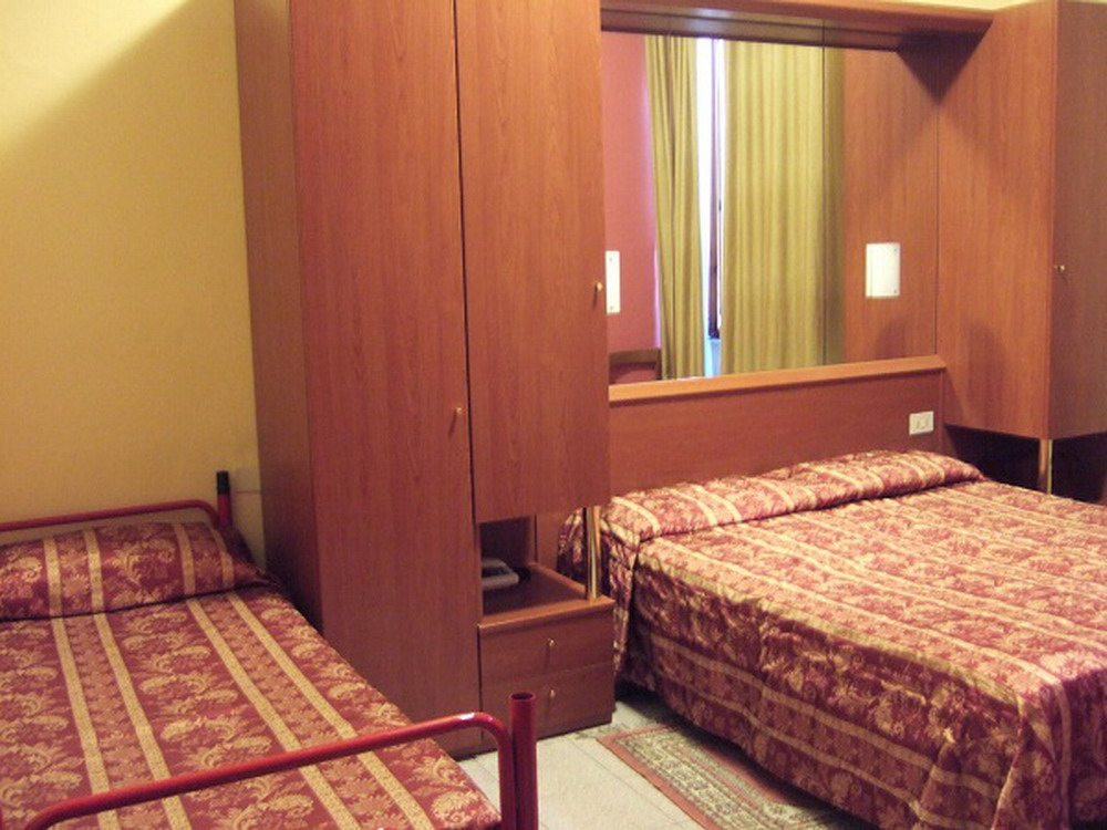 Camera-Hotel-Innocenti-3