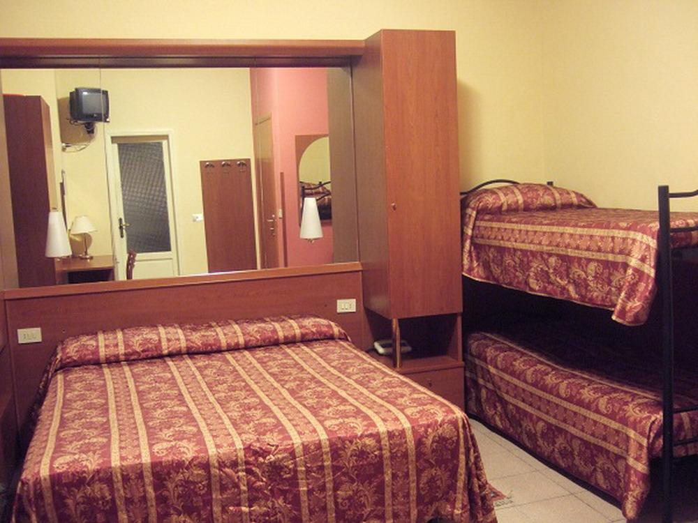 Camera-Hotel-Innocenti-4