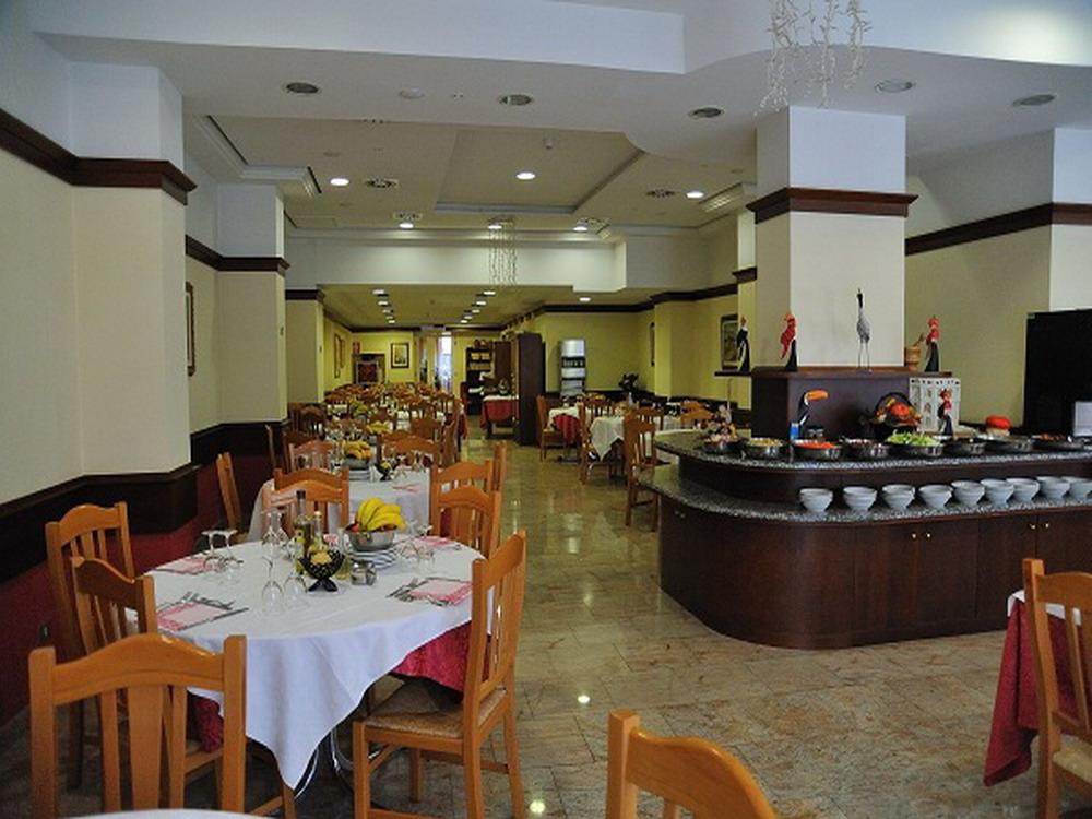 Sala-da-Pranzo-interna-Hotel-Innocenti-2